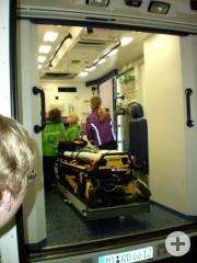 Wie sieht es in einem Rettungswagen aus?
